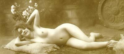 Nude-cute-girl