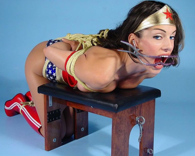 Wonderwoman-boundgagg
